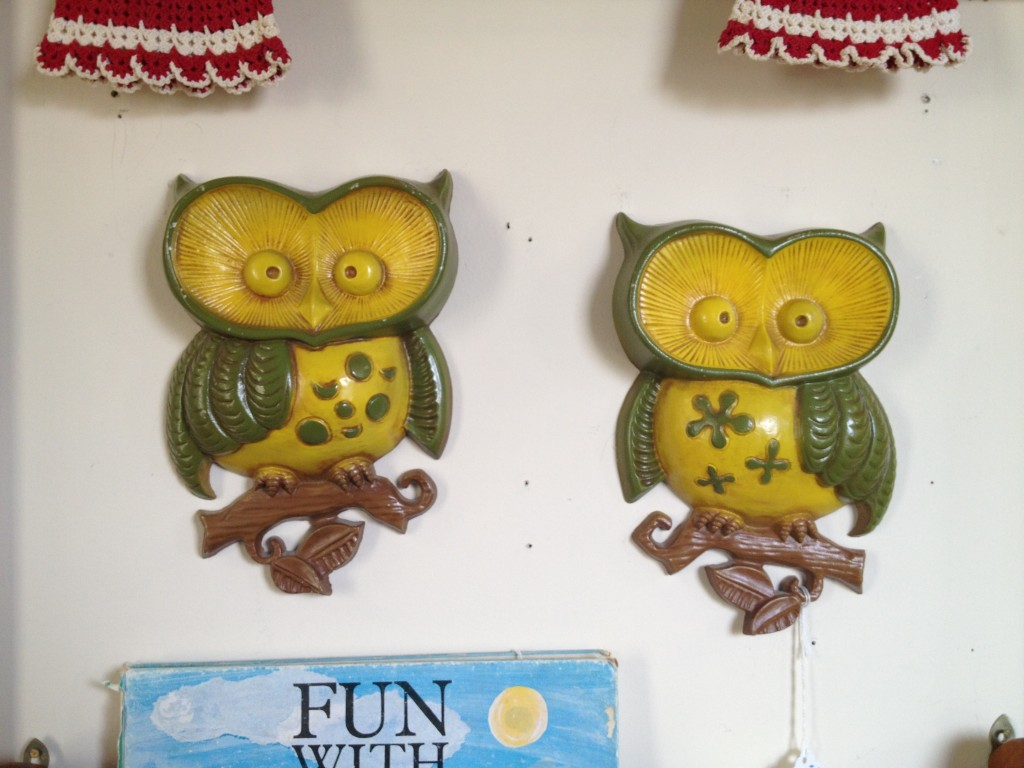 And these two lovely 1970s metal owls, are now in my kitchen.